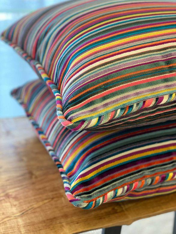 14-multi-colored-pillows2