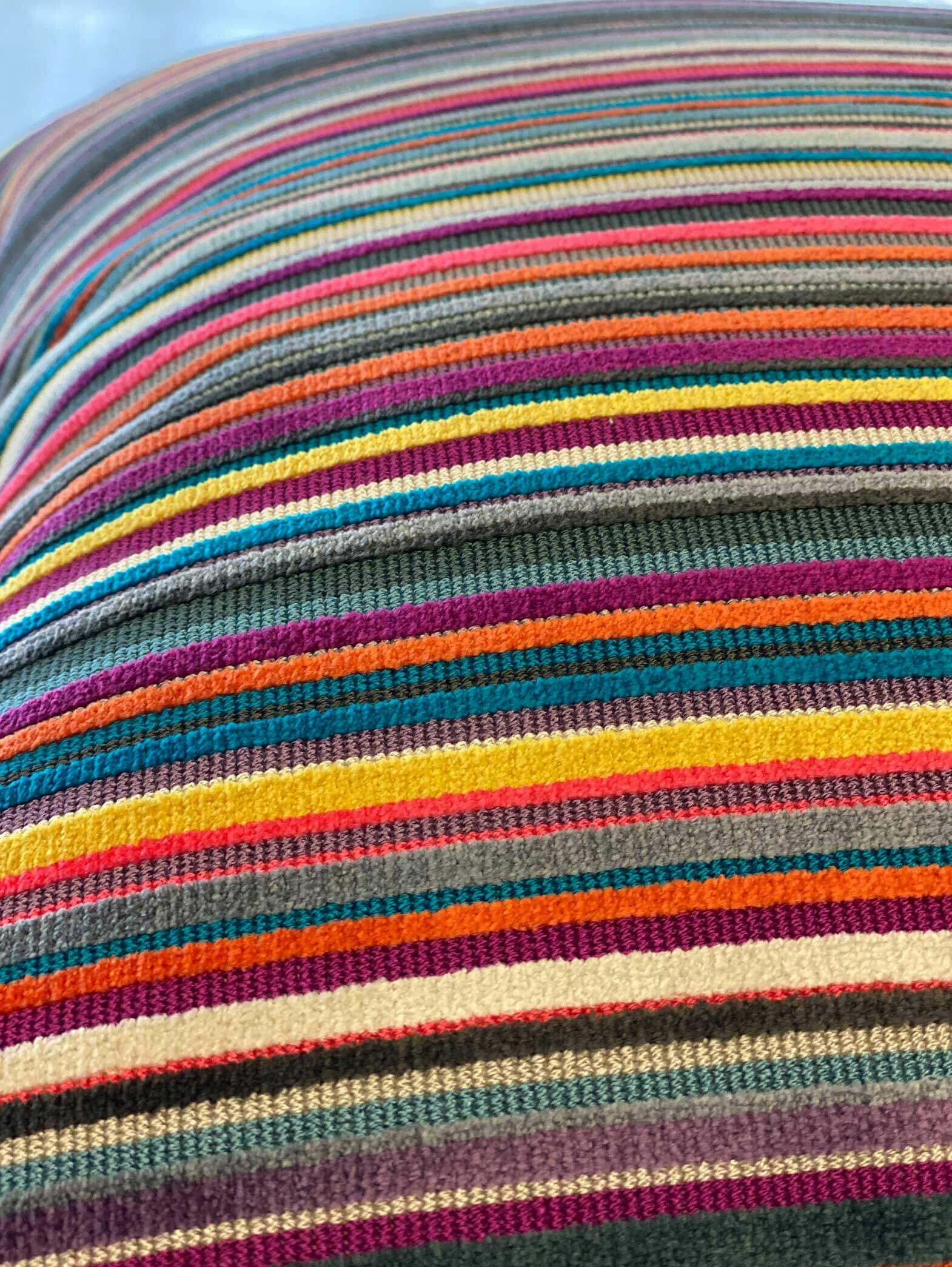 14-multi-colored-pillows3