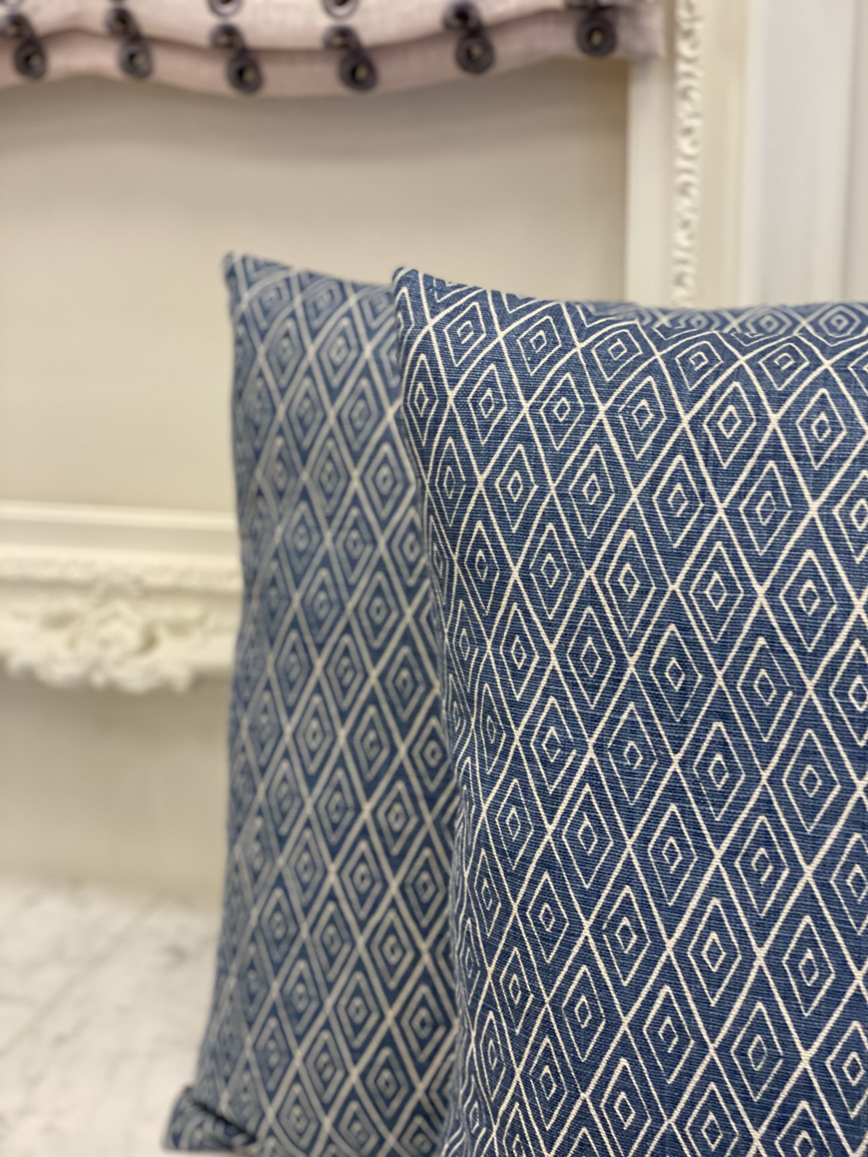 Small Scale Geometric Pillows
