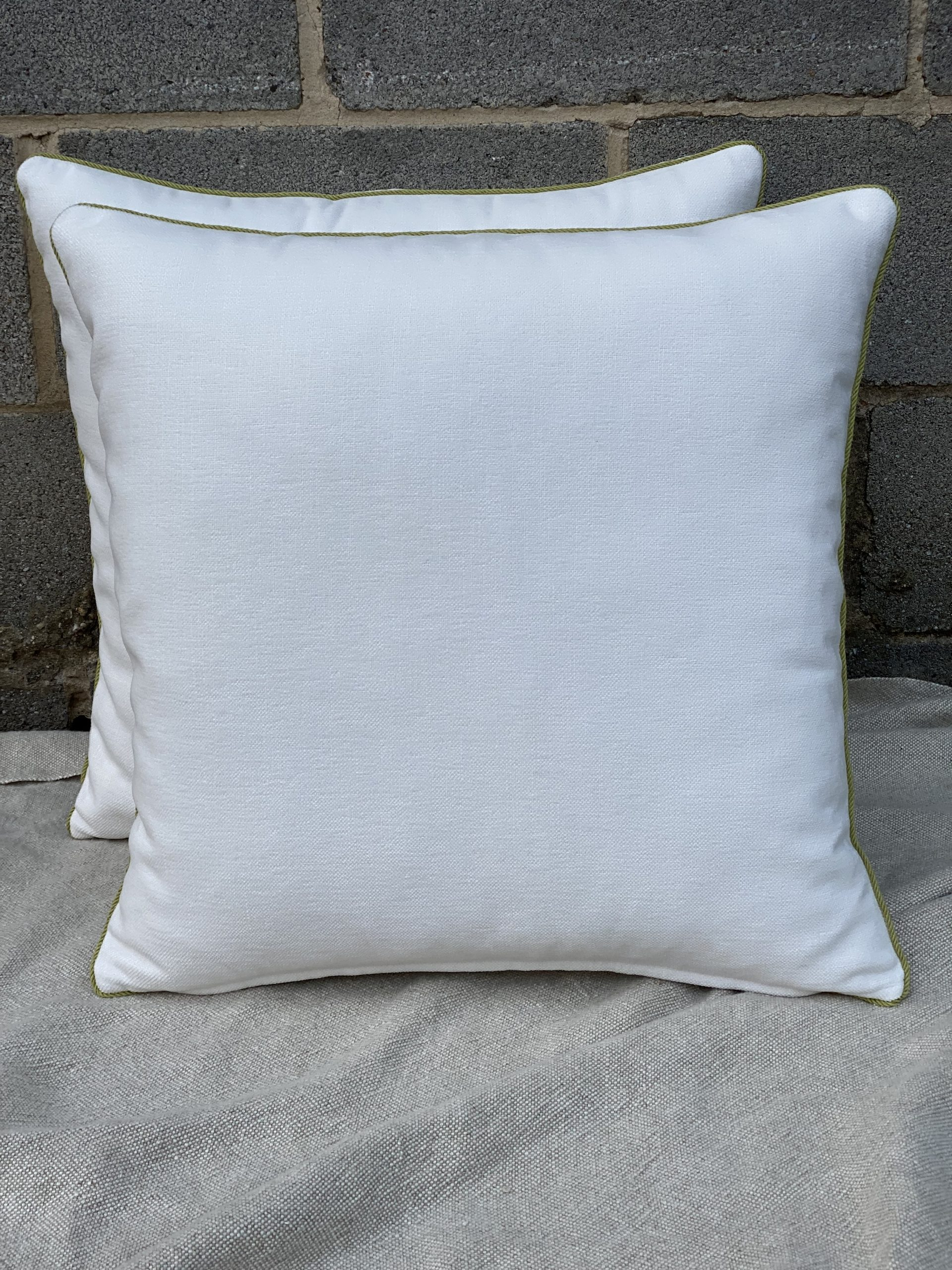 Pillows With Lip Cord