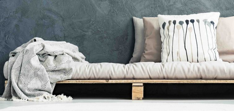 How to Style Throw Pillow On a Couch