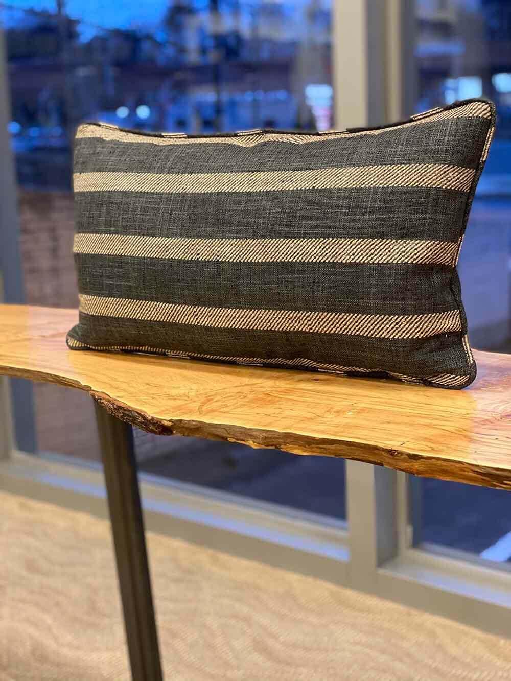 horizontal-stripe-pillow-01